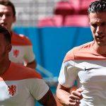 Van Persie và Memphis Depay xích mích ở tuyển Hà Lan